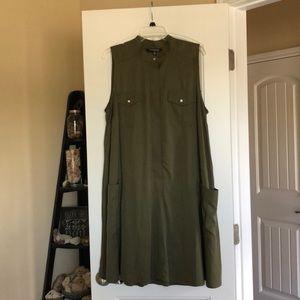 Military green sleeveless dress WITH POCKETS! 16W